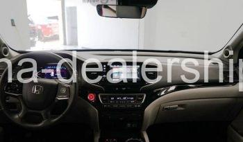 2019 Honda Pilot Touring w/Rear Captains Chairs AWD 4dr SUV full