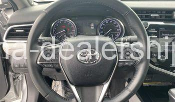 2018 Toyota Camry XLE full